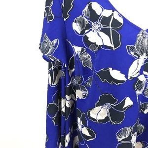 Lane Bryant Tops - Lane Bryant- NWT Royal blue floral top, size 14/16